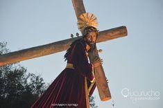 Tu rosto buscare #reydeluniversovuelvetumiradafotografia holly week semana santa guatemala cuaresma procesiones adorno incienso corozo tradiciones