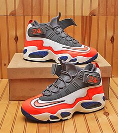 uk availability 24bf3 a4018 2012 Nike Air Griffey Max 1 Size 10.5 - White Crimson Hyper Blue - 354912  103
