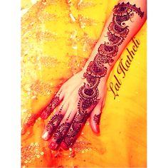Arabic glittery gorgeous henna all done for tonight. Night all ✨✨✨✨❤️✨✨✨✨ Lal Hatheli Artist: Mahwish K Ijaz Designer: Unknown Bookings or to purchase henna: 07940411713 lal_hatheli@outlook.com #henna #mehndi #beauty #artist #love #arab #vegas_nay #london #mydubai #christmas #pearldaisy #dubailife #goodnight #zukreat #hudabeauty #nikkah #photooftheday #wedding #pretty #bride #wow #celebration #tradition #hot #xmas #glitter #lal_hatheli #bestoftheday #fashion #uae