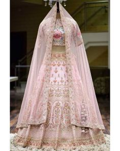 Wedding Dresses pretty to stunning, article id 4702100149 - The Best gown examples to organize and find a really beautiful style. Bridal Lehenga Online, Designer Bridal Lehenga, Indian Bridal Lehenga, Indian Bridal Outfits, Indian Bridal Wear, Pakistani Bridal Dresses, Wedding Lehnga, Indian Dresses, Pink Bridal Lehenga