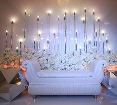 Зона для фото и отдыха с большими кристаллами на свадьбе наших ребят!  Декор @nebodecor  Фото @tarasovasvet  Организация @graceagency