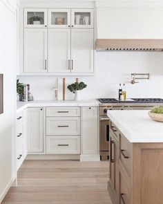 Cheap Home Decor white decor kitchen.Cheap Home Decor white decor kitchen Diy Kitchen Cabinets, Kitchen Redo, Home Decor Kitchen, Home Kitchens, Kitchen Ideas, White Shaker Kitchen Cabinets, White Appliances In Kitchen, Glass Cabinets, Modern Shaker Kitchen