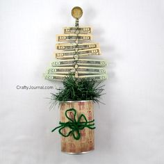 Christmas Money Tree by Crafty Journal (with a link to the originator: http://www.thenshemade.com/2010/12/week-of-gifts-day-5.html)