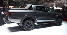 Fiat first introduced the Mitsubishi-based Fullback pickup truck at last year's Dubai Motor Show Source: Pickup Trucks For Sale, Dodge Pickup Trucks, Vintage Pickup Trucks, Classic Pickup Trucks, Mitsubishi Pickup, Mitsubishi L200, Fargo Truck, Truck Flatbeds, Hummer Cars