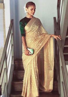 Indian Wedding Outfits, Indian Outfits, Pakistani Outfits, Look Fashion, Indian Fashion, Fashion Styles, Fashion Outfits, Drape Sarees, Sari Dress