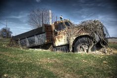 Abandoned cars, 45 photos in Vehicles category, Vehicles photos Abandoned Buildings, Abandoned Houses, Abandoned Places, Old Houses, Abandoned Vehicles, Dump Trucks, Old Trucks, Vintage Trucks, Cars 1