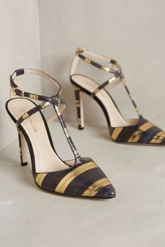 black and gold striped heels http://rstyle.me/n/t983wpdpe