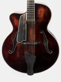 AR805LCE Uptown Archtop by Eastman