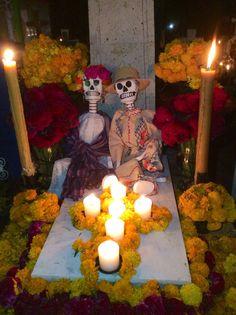 Día de muertos en el panteón de Acatlán  de Osorio, Puebla. 2015 mans homeplace