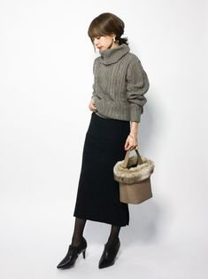 """10 """"adult beauty"""" coordinates for adults who want to manage – Miracles from Nature Japan Fashion, Love Fashion, Fashion Outfits, Womens Fashion, Japanese Outfits, Korean Outfits, Winter Skirt Outfit, Winter Outfits, Skirt Outfits"""