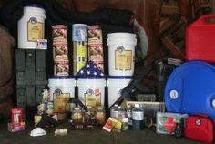 10 Rookie Food Storage Mistakes.  Are you new to food storage?  Each experienced prepper began just as you.  Take advantage of their mistakes by learning the 10 Rookie Food Storage Mistakes that should be avoided: