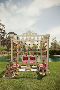 Outdoor Mandap, White mandap with flowers  #indianwedding, #shaadibazaar