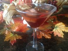 CANDY APPLE MARTINI * Apple vodka, butterscotch schnapps, cranberry juice * an adult liquid version of a favorite Fall treat Fall Cocktails, Holiday Drinks, Cocktail Drinks, Fun Drinks, Holiday Recipes, Alcoholic Drinks, Thanksgiving Recipes, Beverages, Cranberry Juice And Vodka
