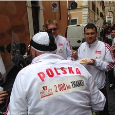 #tbt to when these Polish pilgrims ran from Poland to Rome for the canonization of St. John Paul II! #Catholic #JP2 #Vatican #Rome #Poland  http://www.catholicnewsagency.com/news/pilgrims-run-2000-kilometers-to-celebrate-in-rome/