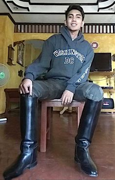 Tall Boots, Black Boots, Mens High Boots, Men's Equestrian, Mens Leather Pants, Wellies Boots, Riding Boots, Sexy Men, Menswear