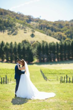 Keepsakephoto by the Keeffes |Canberra Wedding Photography | |Canberra Wedding | Canberra Wedding Photographer |Lake George Winery| Spring Wedding