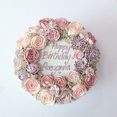 Enchanted Pink and Violet Buttercream Flowers #buttercream https://www.facebook.com/thesweetspot.com.my/
