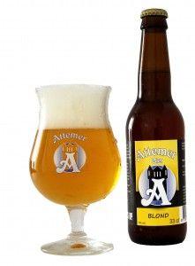 Attemer Blond - is het eerste bier wat door de brouwerij ontwikkeld is. Het bier heeft een goudgele kleur. Dit bier is dan ook gebrouwen met lichte moutsoorten waaronder pilsmout en tarwe mout. Door de geselecteerde mouten en de hopcombinatie is ons blond bier een smaakvol en toegankelijk bier. Door het gebruik van tarwemout is het bier fris, de hop zorgt voor een fruitige en licht bittere afdronk. Het bier heeft een alcoholpercentage van 6%. Dit bier is het hele jaar verkrijgbaar en kunt u…