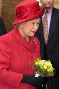 Queen Elizabeth, 2004. Very beautiful style for Queen Elizabeth II hat.