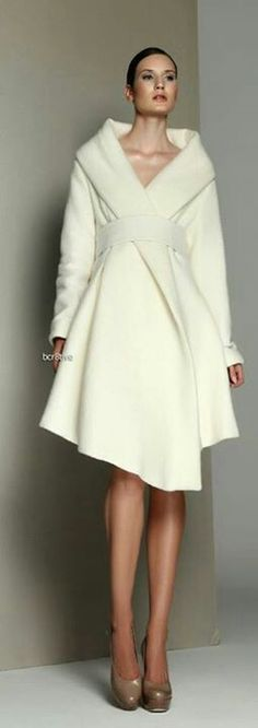 White Dress/coat from Kamila Gawronska women fashion outfit clothing stylish apparel closet ideas White Fashion, Look Fashion, Autumn Fashion, Womens Fashion, Mode Chic, Mode Style, Coat Dress, Dress Up, White Blazer Outfits