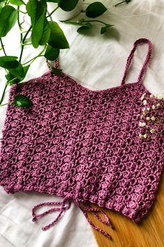 Crochet Tank Tops, Crochet T Shirts, Crochet Summer Tops, Crochet Clothes, Crochet Leaf Patterns, Crochet Bra, Crochet Stitches For Beginners, Creations, Beautiful Crochet
