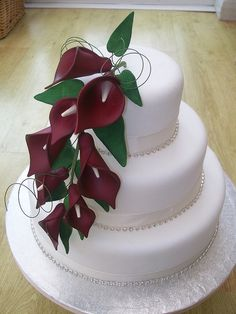 Red Calla Lily Wedding Cake Design 4 Picture in Wedding Cake – İnteresting Cake İdeas Wedding Shower Cakes, Fall Wedding Cakes, Wedding Cakes With Cupcakes, Beautiful Wedding Cakes, Wedding Cake Designs, Beautiful Cakes, Lys Calla, Calla Lillies, Calla Lily Cake