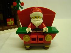 Better not cry LEGO Santa is coming to town Lego Christmas Village, Lego Winter Village, Christmas Nativity, Christmas Crafts, Christmas Ornaments, Awesome Lego, Cool Lego, Cool Toys, Lego Minifigs