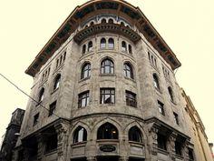 Eminönü Bahçekapı 1.Vakıf Han Historical Architecture, Pisa, Istanbul, Tower, Building, Travel, Viajes, Lathe, Buildings