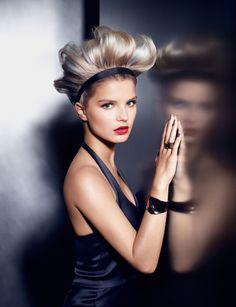 Sleek Updo thanks to L'Oreal Professionel!