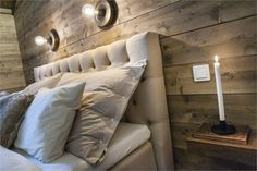 We all know that best ski resorts are in Alps or Pyrenees and best mountain homes are French or Swiss chalets. But do not forget the Scandinavians has ✌Pufikhomes - source of home inspiration Cabin Interior Design, Chalet Design, House Design, Cozy Living Rooms, Living Spaces, Scandinavian Cottage, Architectural Design Studio, Cabin Loft, Salons Cosy