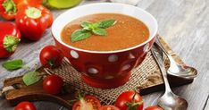 Delicious gazpacho on wooden table and fresh vegetables Fresh Vegetables, Veggies, Broccoli Stalk, Chilled Soup, Bisque Recipe, Veggie Soup, Gazpacho, Red Peppers, Mozzarella