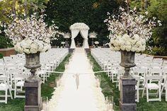 Photography: Jana Williams Photography - jana-williams.com   Read More on SMP: http://www.stylemepretty.com/2015/12/31/glamorous-beverly-hills-ballroom-wedding/