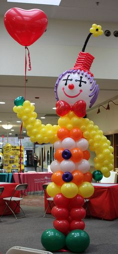 Balloon Clown 2-19-2011 016 | Flickr - Photo Sharing! Balloon Arrangements, Balloon Centerpieces, Clown Party, Circus Party, Balloons And More, Helium Balloons, Carnival Birthday Parties, Circus Birthday, Clown Balloons