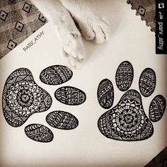 How cool is this cat paw mandala  by @parv_athy  #catpaws #catlover #catpawmandala #mandala #mandalapassion #mandalatattoo #mandalamaze #mandalalove #mandalala #zendala #zentanglemandalalove #beautiful_mandala #heymandalas #zentangle #iblackwork #penart #penandink #AdultColoring #coloringforadults #rainbowdoodlers #doodleartenthusiasts #hearttangles - more @ RainbowDoodlers.com