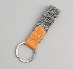 KY1-188 - COTTON HERRINGBONE TWEED KEY FOB, GREY :: HICKOREE'S