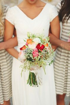 short sleeved wedding dress (and gorgeous flowers)