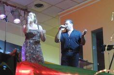 NOCHE DE KARAOKE EN BINGO GOLDEN PALACE!!!   A PARTIR DE LAS 23.30 HS EN EL MARCO DEL CICLO VIERNES VARIETÉ SE PRESENTAN LOS ARTISTAS LOCALES EDU Y NATI FINOCCHIO. Necochea 27 de Mayo de 2016.- Hoy viernes 27 de Mayo Bingo Golden Palace ofrece una noche divertida de karaoke a partir de las 23:30hs en el marco de su renovado ciclo Viernes varieté el cual cuenta con nuevas tematizaciones como peña folklórica noche de degustación tributos y la noche de karaoke que será la de esta oportunidad…