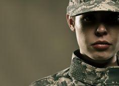 Die Geschichte einer Soldatin ~ Levo League - A Women Usmc, Marines, Future Soldier, Navy Veteran, Female Soldier, Military Women, Army Life, Military Photos, Our Lady