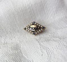 1987 Gamma Phi ... Phi Mu Badge Pearl