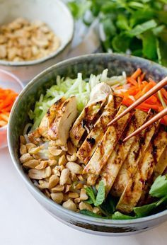 Delicious and authentic recipe for Vietnamese Chicken Vermicelli Salad; healthy,… Delicious and authentic recipe for Vietnamese Chicken Vermicelli Salad; healthy, refreshing, and perfect for anytime! Asian Recipes, Healthy Recipes, Ethnic Recipes, Healthy Vietnamese Recipes, Vietnamese Bowl Recipe, Thai Curry Recipes, Warm Salad Recipes, Healthy Gourmet, Gourmet Foods