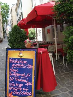 Eating in Vienna - Food and Travel Vienna Food, Budapest Travel, Central And Eastern Europe, Pastries, Tarts