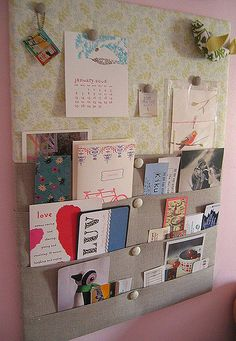 Memo Board...love the pockets  https://www.facebook.com/pages/Rustic-Farmhouse-Decor/636679889706127