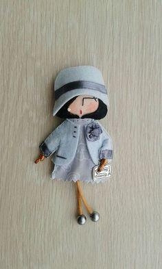 Брошь-куколка из фетра