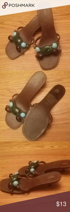 Brown Sandals with Stone Accent sz 5 Fioni Brown Sandals with Stone Accent sz 5 Fioni Fioni Shoes Sandals