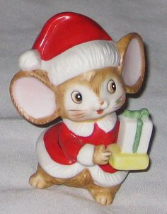 """Red HOMCO 3 1/2"""" Mouse Figurine Ceramic with Present • 16.90 CAD • 16.90 CAD"""