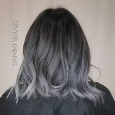 Best Short Hairstyles Perfect For All Ages - huma's ideas Frontal Hairstyles, Wig Hairstyles, Grey Ombre Hair, Grey Blonde, Blonde Color, Best Lace Front Wigs, Front Lace, Charcoal Hair, Cool Blonde Hair