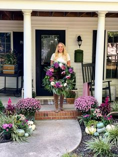 extra large fall wreath tutorial #wreathtutorial #fallwreath Thanksgiving Tablescapes, Thanksgiving Parties, Thanksgiving Decorations, Fall Home Decor, Autumn Home, Fall Wreath Tutorial, Fall Projects, Fall Pictures, Autumn Inspiration