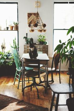 Interior Inspiration : Another Random Thursday. Neat lamp/hangy thing