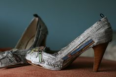 I still want to do newspaper shoes!!  Newspaper Shoes #upcycle #reuse #fashion
