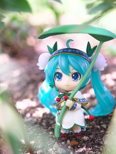 What kind of costume would you love to see on Miku? Photography by reonov